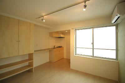 新築一棟 アパート某一流外資系食品会社勤務40代サラリーマン